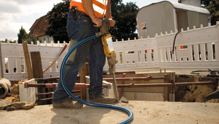 fluid-handling-industry-hose-air-worker.jpg